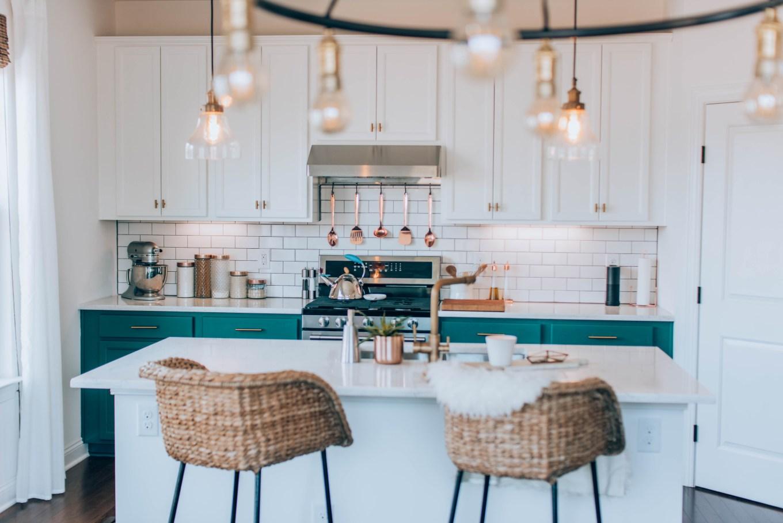 8 Ideias Fáceis e Low Cost para dar um Novo Look à Cozinha de uma Casa Arrendada.